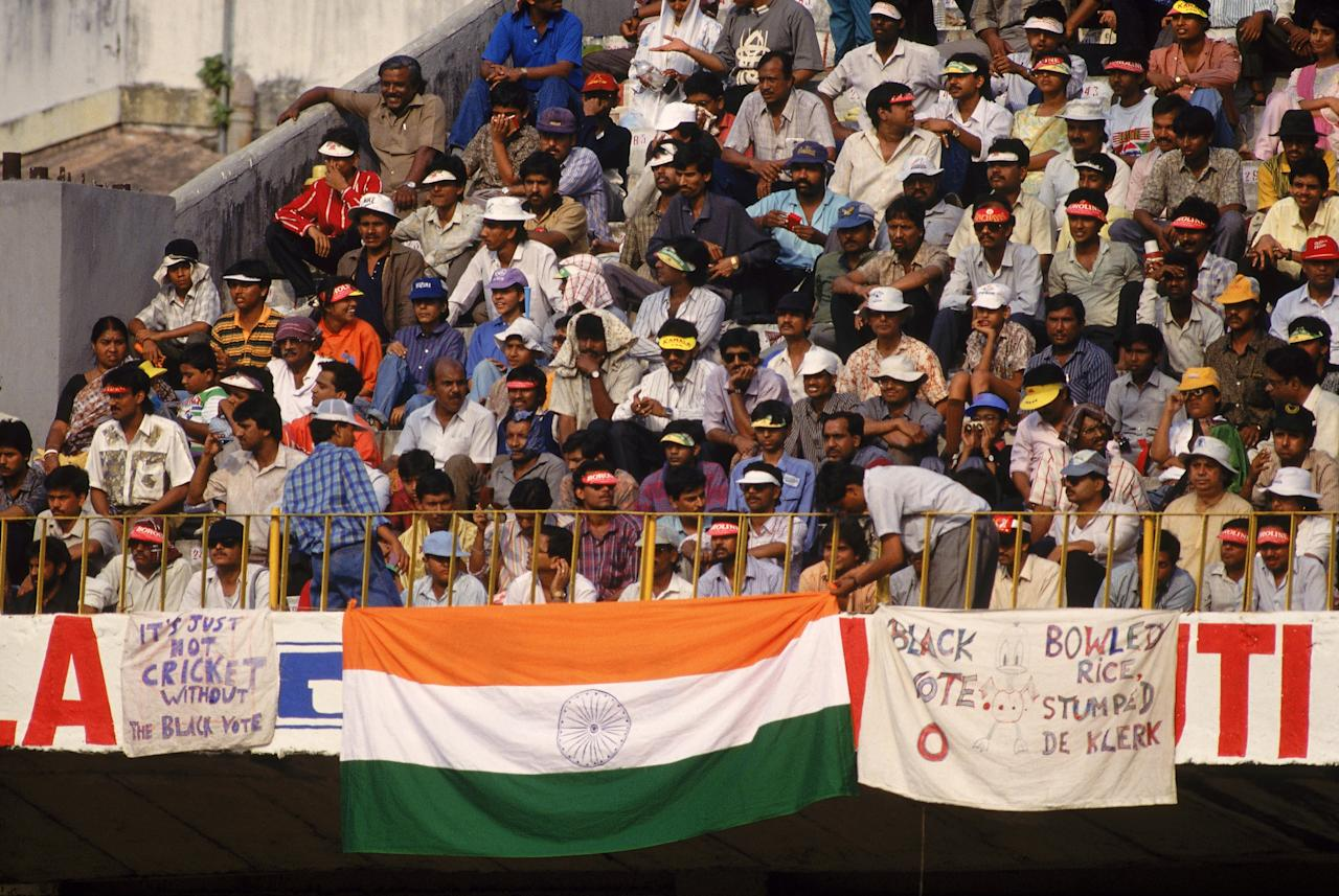 CALCUTTA - NOVEMBER 10:  Indian crowds during the first day of the First One Day Tour match between India and South Africa played at Eden Gardens, in Calcutta, India on November 10, 1991. (Photo by Shaun Botterill/Getty Images)