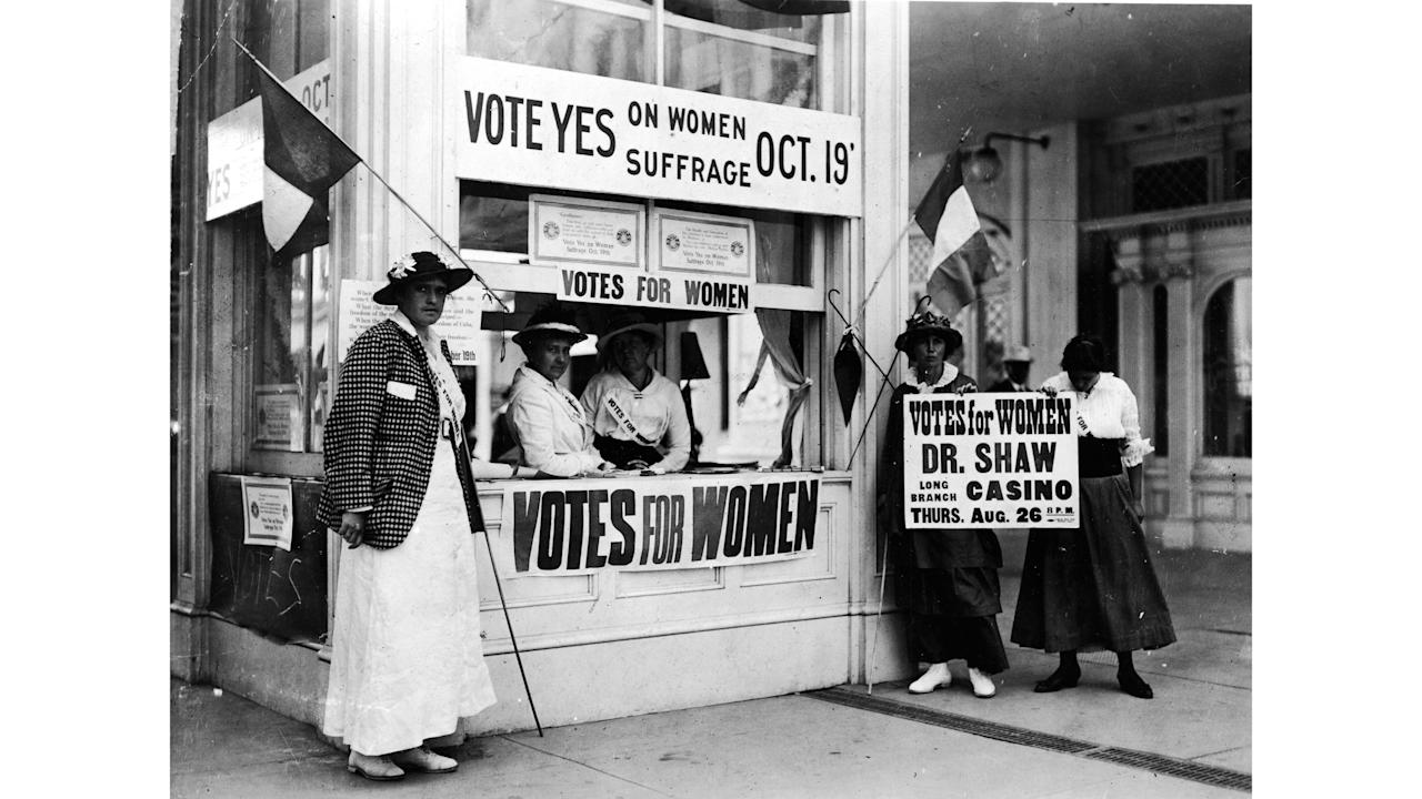 why did women of the united states gain the vote in 1918 1918: canada gives women the vote in most provinces by federal law quebec is not included native women were not included 1918: germany grants women the vote 1918: austria adopts woman suffrage 1918: women given full suffrage in latvia, poland, estonia, and latvia 1918: russian federation gives women the right.