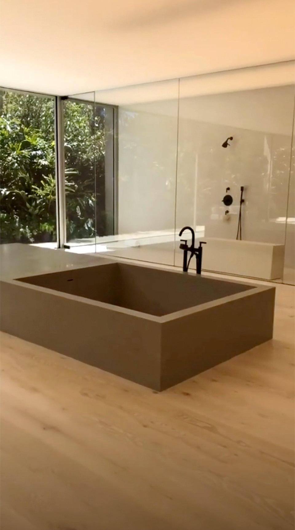 In case you wanted a better view of the rather uncomfortable-looking tub.