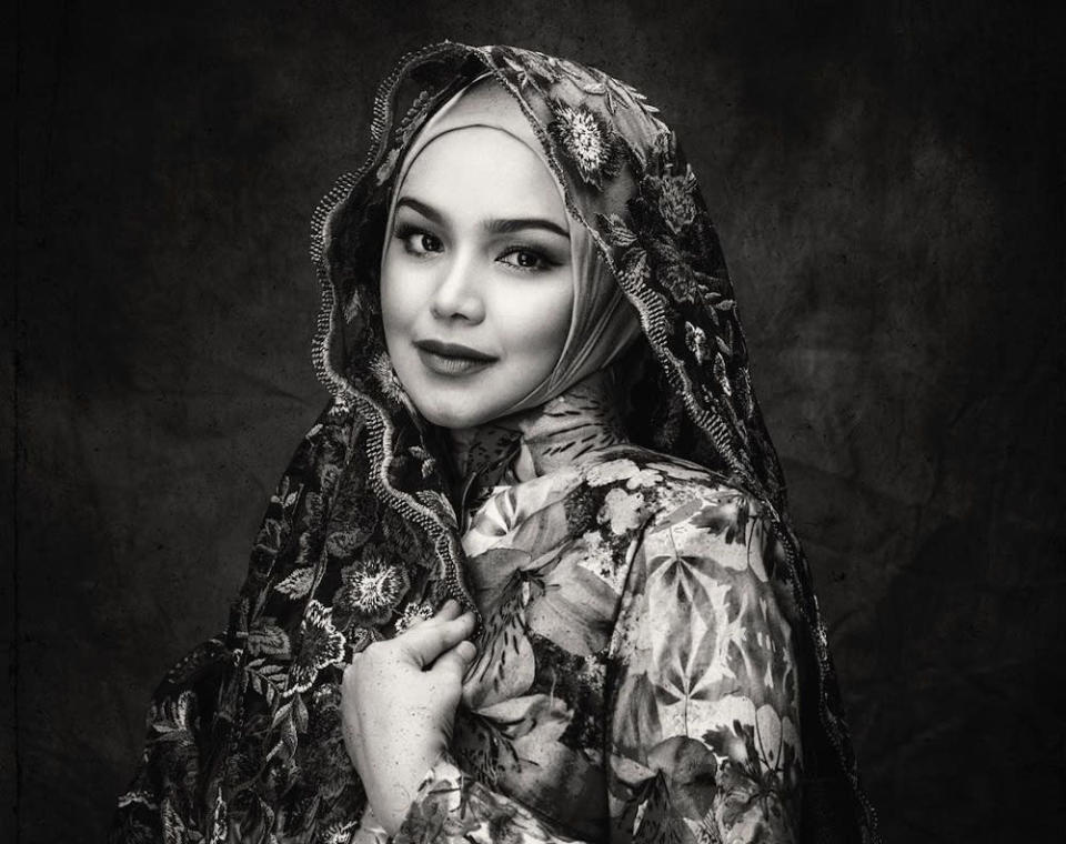 The 41-year-old singer says she is grateful for being able to conceive two years after welcoming her firstborn Siti Aafiyah. — Picture from Instagram/@ctdk