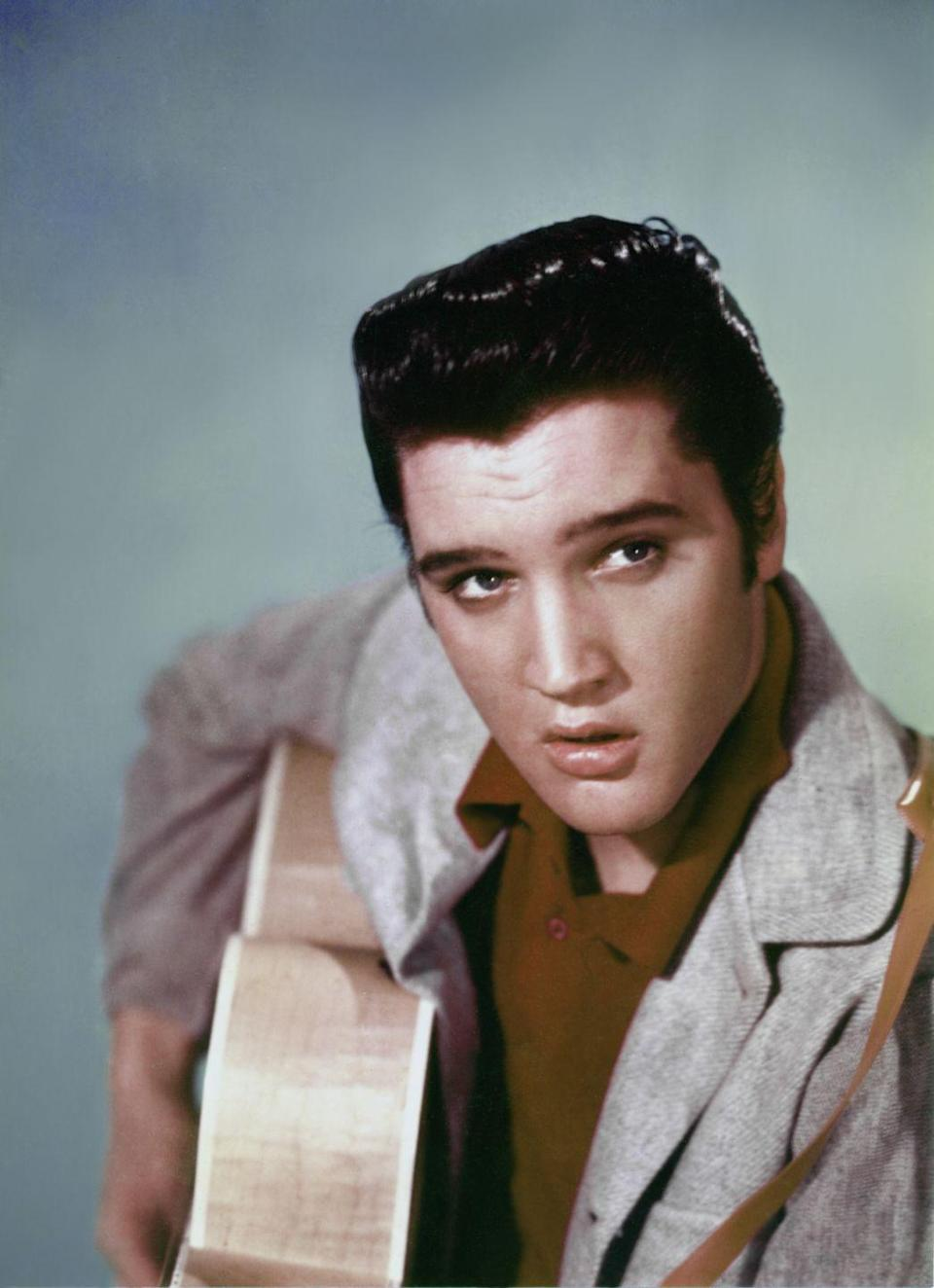 <p>Thanks to his mainstream appeal, Presley snagged himself a three-year contract with Paramount Pictures in 1956. Soon he was embarking on a promising film career.</p>