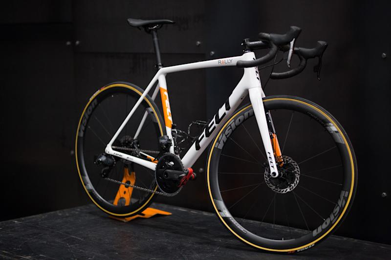 Felt FR Disc equipped with Sram AXS drivetrain and Vision Metron wheels.