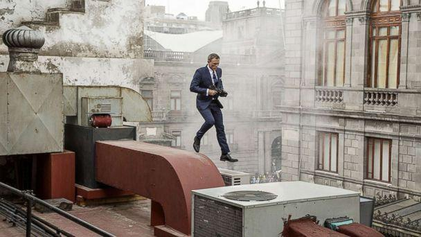 PHOTO: Daniel Craig appears in a scene from 'Spectre.' ( Jonathan Olley/Metro-Goldwyn-Mayer Studios )