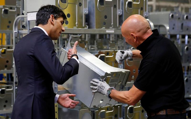 Chancellor of the Exchequer Rishi Sunak speaks to employees during his visit to Worcester Bosch factory to promote the initiative, Plan for Jobs - Phil Noble/PA