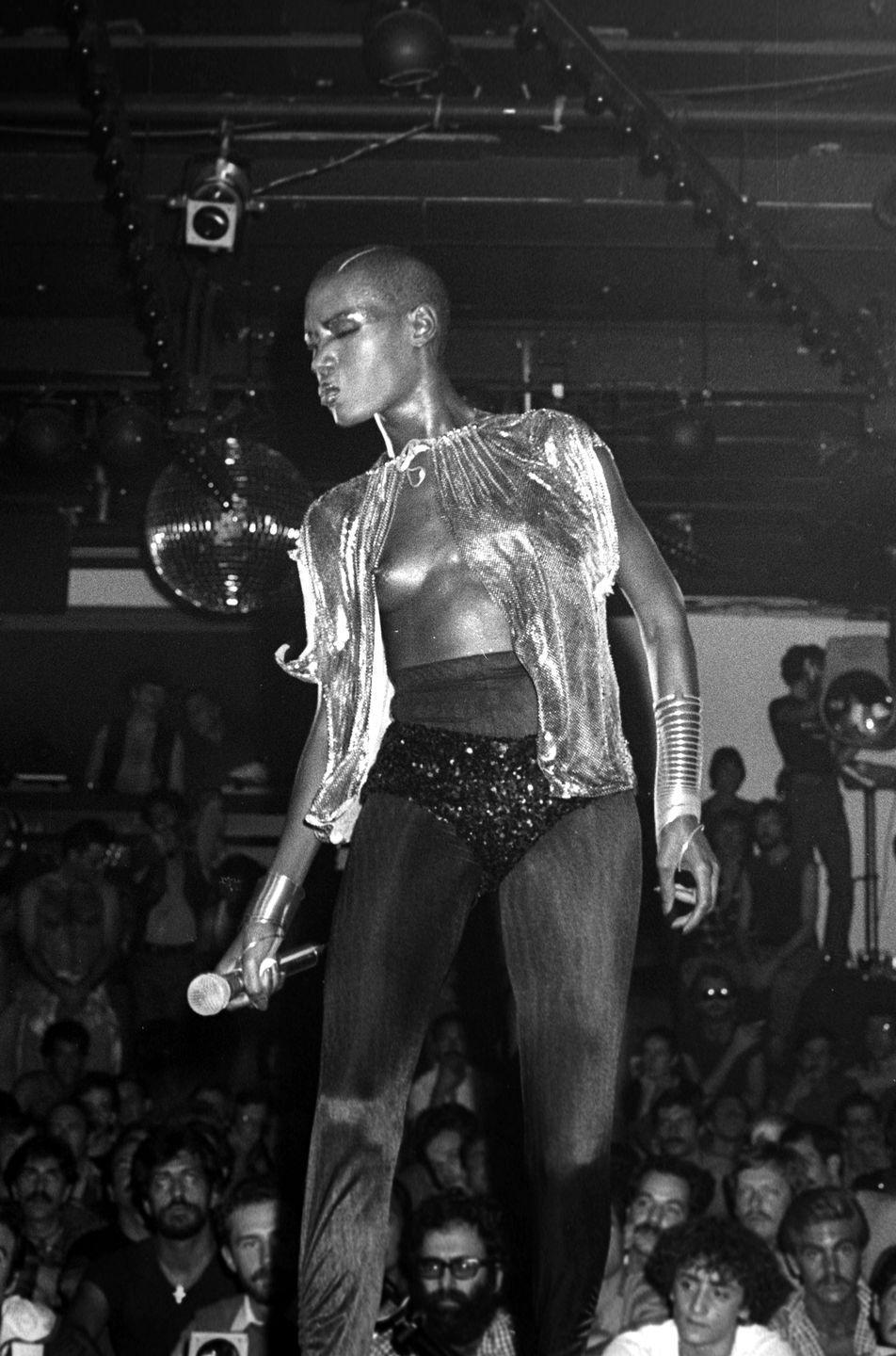 <p>The pioneer of androgynous fashion, Grace Jones was an unforgettable icon of the '80s and influenced the cross-dressing movement. Another staple figure in the disco and nightclub scene, she has unforgettable style.</p>
