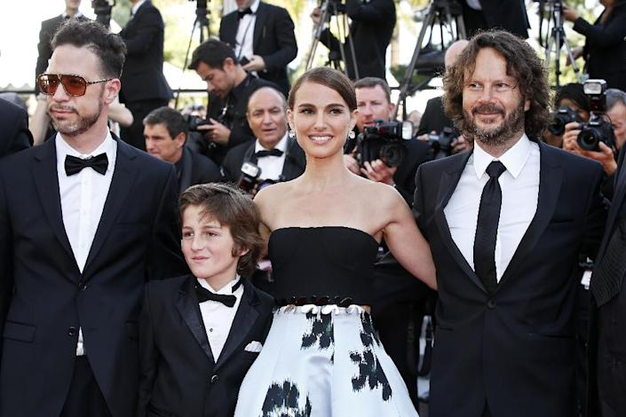 """(L-R) Actor Gilad Kahana, actor Amir Tessler, actress and director Natalie Portman and producer Ram Bergman arrive for the screening of """"A Tale of Love and Darkness"""" at the 68th Cannes Film Festival in Cannes, southeastern France on May 16, 2015 (AFP Photo/Valery Hache)"""