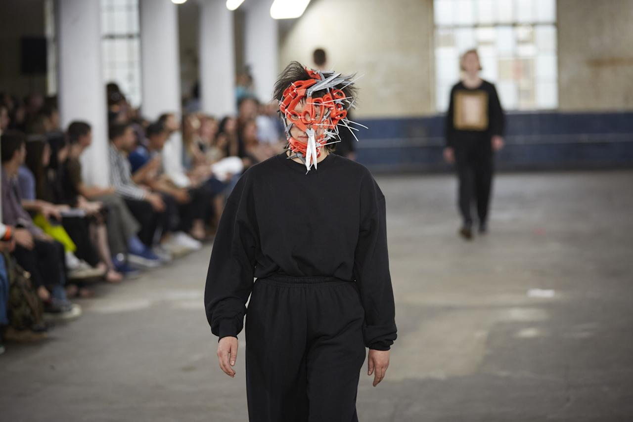 <p>A new take on Edward Scissorhands was also spotted.<br /><i>[Photo: BFC]</i> </p>