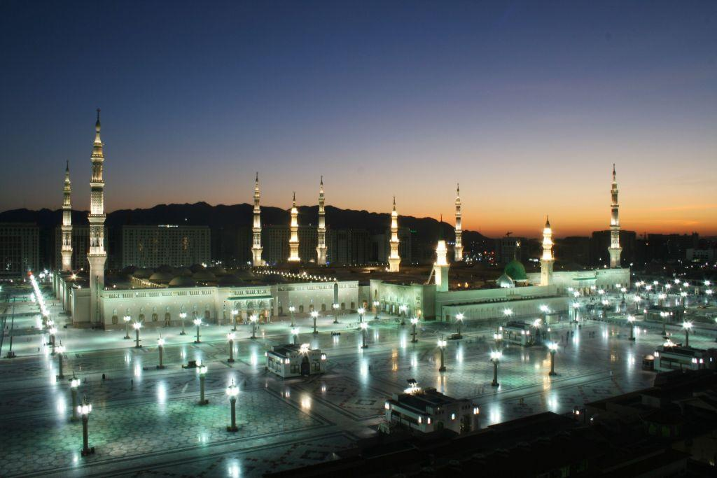 <p>JEDDAH, SAUDI ARABIA: One of the 1,300 mosques in Jeddah, the second largest city in Saudi Arabia and one of the principal gateways to the Holy City of Mecca.</p>