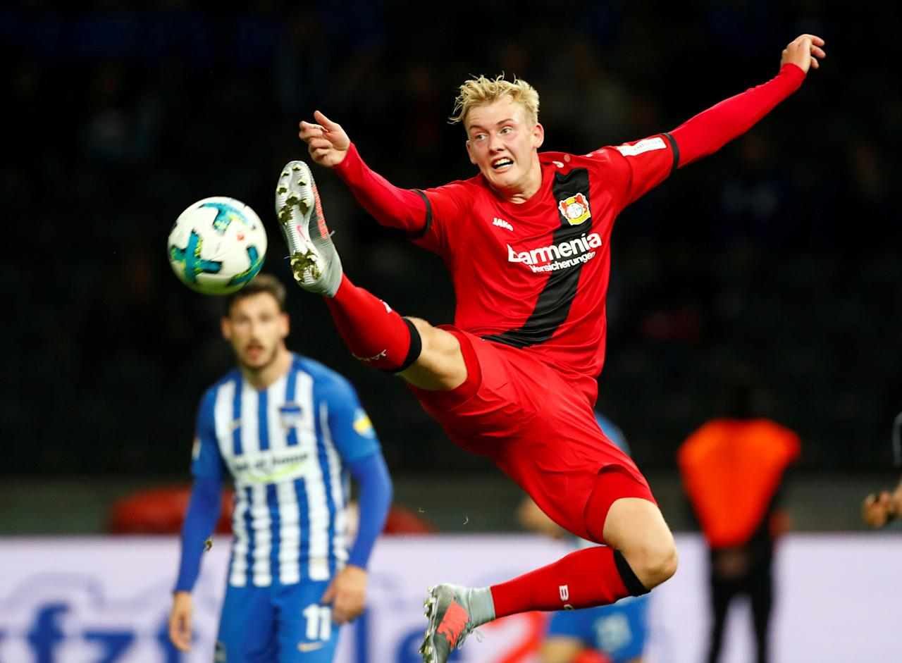 Soccer Football - Bundesliga - Hertha BSC Berlin vs Bayer 04 Leverkusen - Olympiastadion Berlin, Berlin, Germany - September 20, 2017   Bayer Leverkusen's Julian Brandt in action          REUTERS/Hannibal Hanschke    DFL RULES TO LIMIT THE ONLINE USAGE DURING MATCH TIME TO 15 PICTURES PER GAME. IMAGE SEQUENCES TO SIMULATE VIDEO IS NOT ALLOWED AT ANY TIME. FOR FURTHER QUERIES PLEASE CONTACT DFL DIRECTLY AT + 49 69 650050     TPX IMAGES OF THE DAY