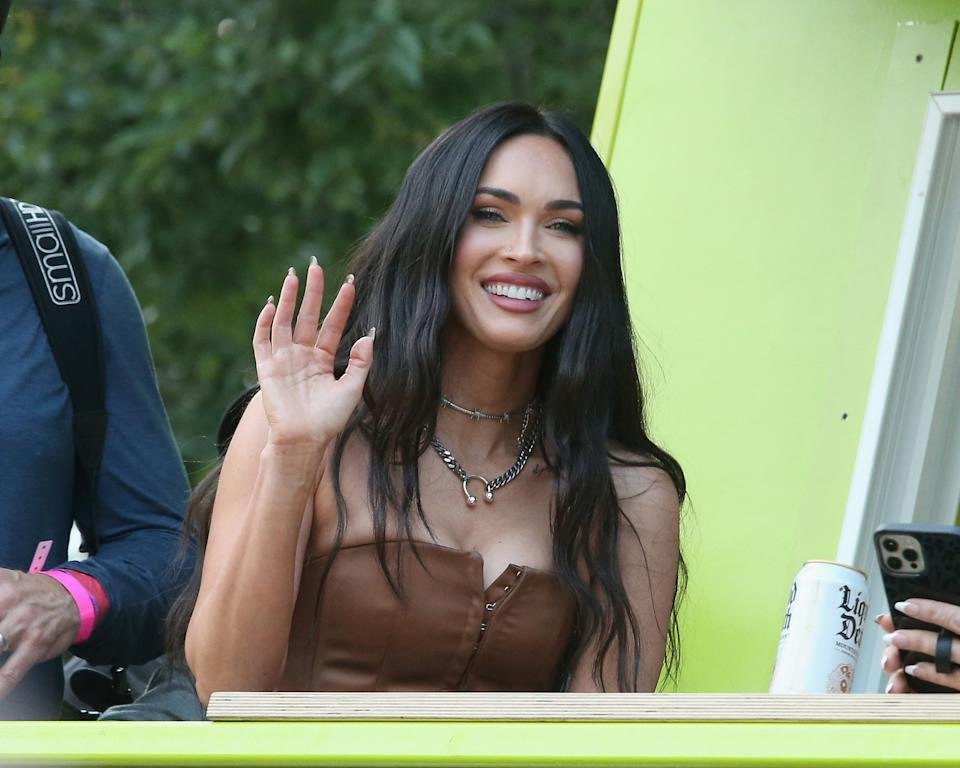 CHICAGO, IL - JULY 31:  Megan Fox attends Machine Gun Kelly's performance during day three of the 30th anniversary of Lollapalooza at Grant Park on July 31, 2021 in Chicago, Illinois.  (Photo by Gary Miller/FilmMagic)
