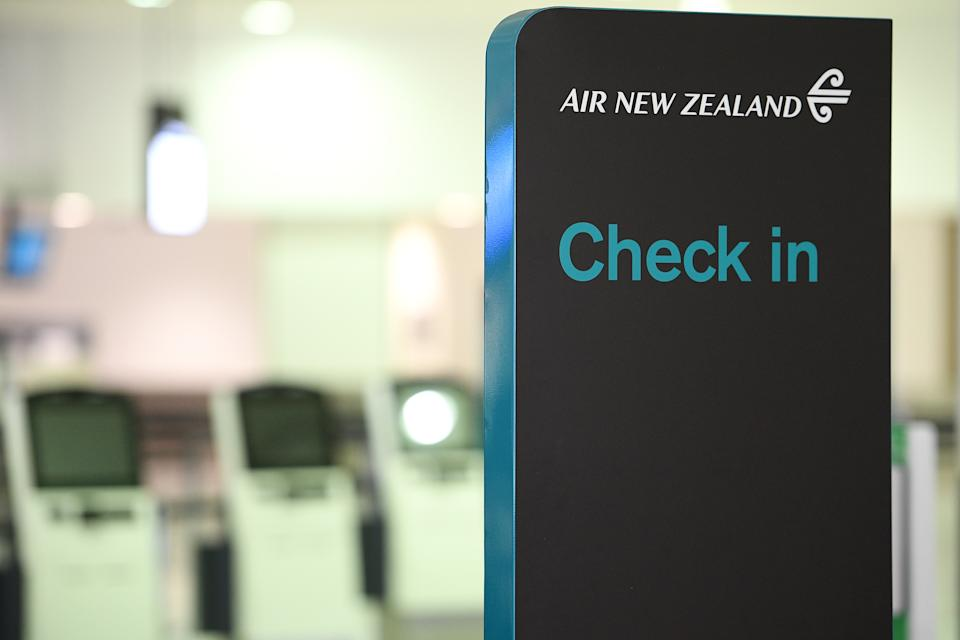 Kiwis stranded in NSW will have the option of waiting out the outbreak or returning to New Zealand and doing two weeks fo quarantine in a hotel. Source: AAP
