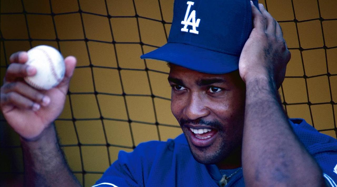 """<p>Former All-Star Raul Mondesi was sentenced to eight years in prison and fined 60 million pesos for corruption that happened while he served as the mayor of his hometown in the Dominican Republic, Hector Gomez of Deportizo Z 101 <a rel=""""nofollow"""" href=""""https://twitter.com/hgomez27/status/910644036142292992"""">reports</a>.</p><p>Mondesi spent 13 years in MLB before becoming the mayor of San Cristobal in 2010. He served a six-year term as mayor, but he after his first year, he switched party affiliations, according to multiple reports. After running as a member of the Dominican Liberation Party, he switched to the Dominican Revolutionary Party.</p><p>During his time in MLB, Mondesi won the 1994 Rookie of the Year, two Gold Gloves and had an All-Star appearance in 1995. He played for the Dodgers, Blue Jays, Yankees, Diamondbacks, Pirates, Angels and Braves throughout his career and he hit 271 home runs while batting .273.</p><p>Mondesi's son, Raul Mondesi currently plays for the Kansas City Royals.</p>"""