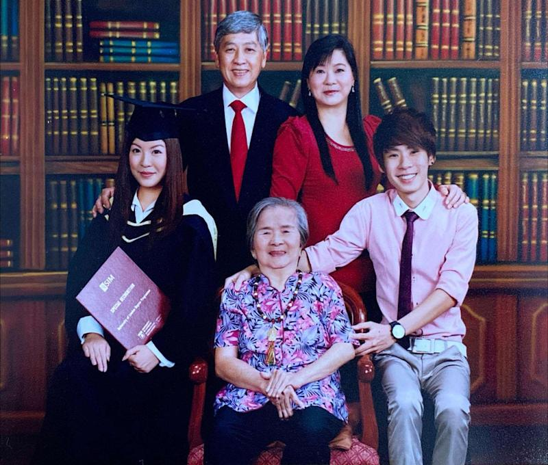 Hannah Lau posed with her family for a graduation photo. (PHOTO: Hannah Lau)