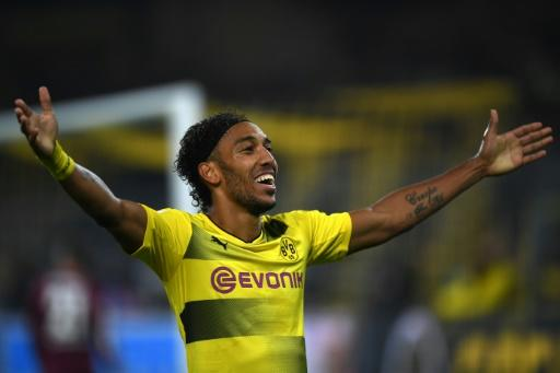 Dortmund's striker Pierre-Emerick Aubameyang celebrates scoring during the German First division Bundesliga football match against Borussia Moenchengladbach September 23, 2017