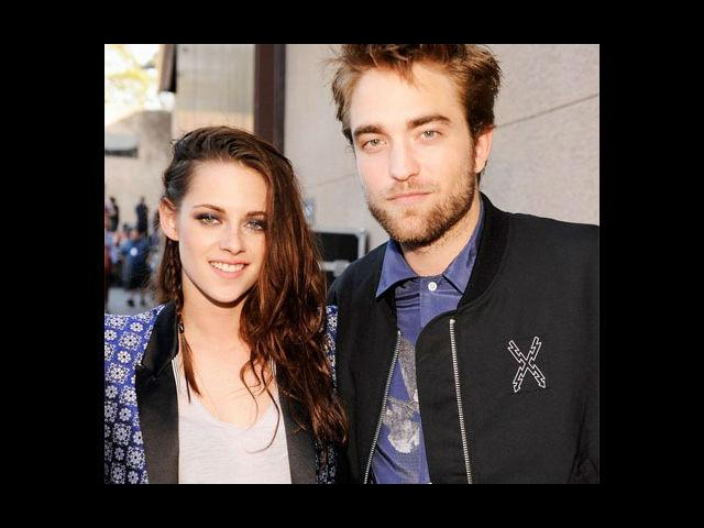 <b>7. Kristen Stewart and Robert Pattinson</b><br> The 'Twilight' couple hit rock bottom when Kristen was spotted having some candid moments with the director of 'Snow White and the Huntsman', Rupert Sanders. Fans were in shock, Robert seemed to go in despair, the news of the break-up was all over the papers and the paparazzi were having a great time. And then came the last instalment of 'Twilight' series and things came back to normal. Pattinson 'forgave' Kristen and two are again dating each other.