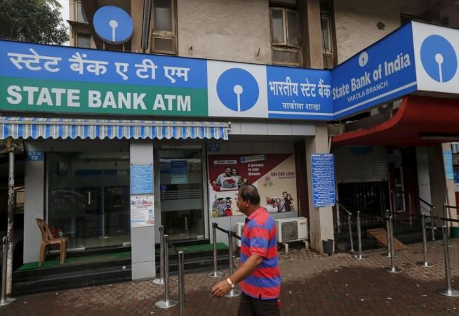 sbi revises atm charges, sbi minimum balance penalty, sbi cash transaction charges, icici bank cash transaction fee, icici bank atm free transactions, hdfc bank free cash transactions, axis bank free cash transaction