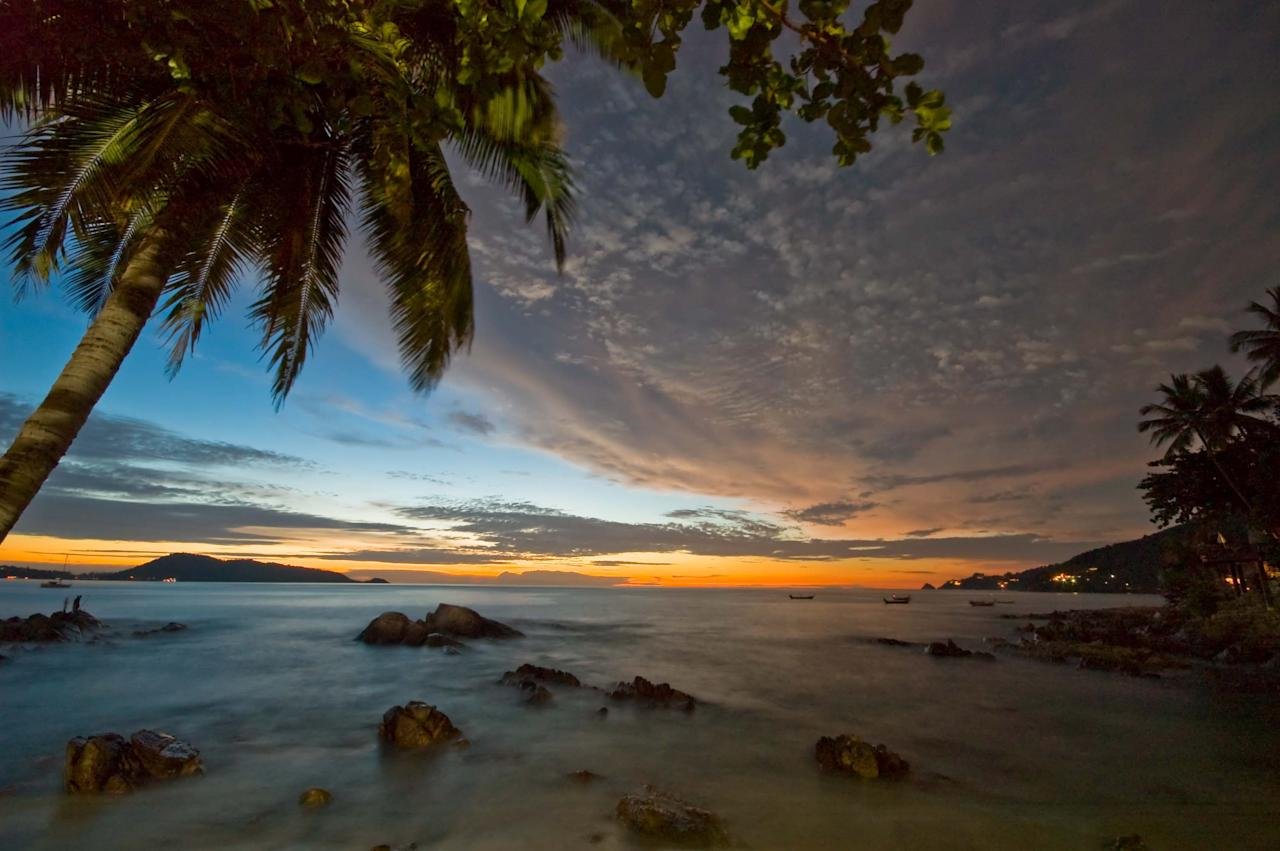 <p>Stunning beaches, beautiful sunsets, what's not to like about Phuket, right? </p>