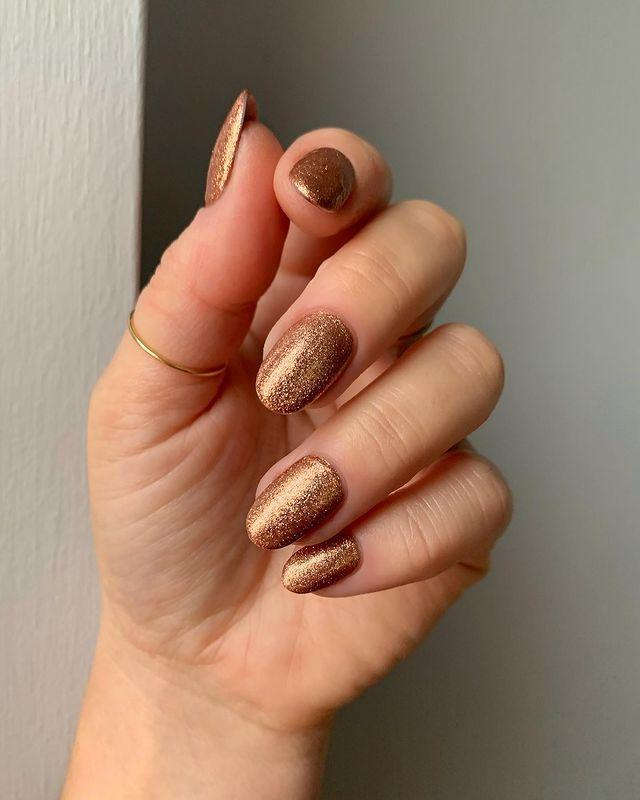 """<p>If you're bored or that soft pinky rose gold, go for something a bit darker like this stunning shade. </p><p><a href=""""https://www.instagram.com/p/CH75OHQhX6s/"""" rel=""""nofollow noopener"""" target=""""_blank"""" data-ylk=""""slk:See the original post on Instagram"""" class=""""link rapid-noclick-resp"""">See the original post on Instagram</a></p>"""