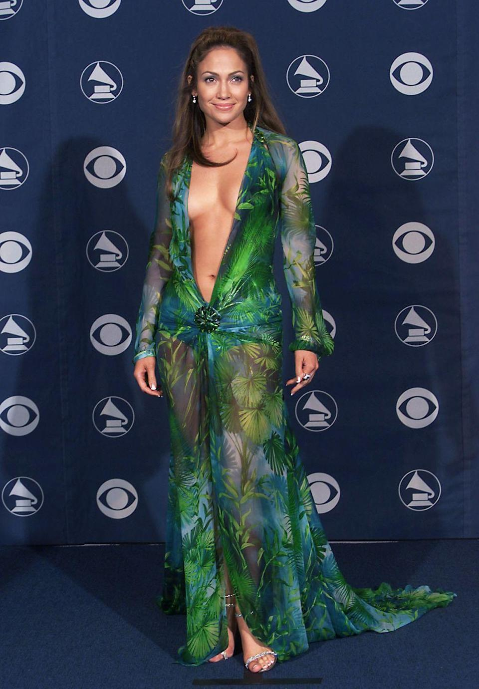 <p><strong>When: </strong>February 2000</p><p><strong>Where: </strong>The Grammys</p><p><strong>Wearing: </strong>Versace</p>