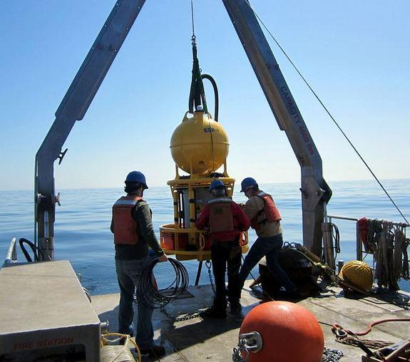 This device, an environmental sample processor, automatically collects a sample of water and then rapidly tests it for DNA and toxins. The device is being deployed in the Gulf of Maine to watch for the potentially harmful toxins released by alg