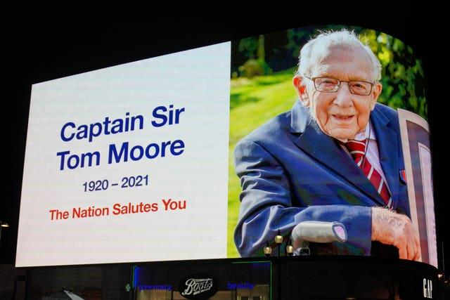 Captain Sir Tom Moore death