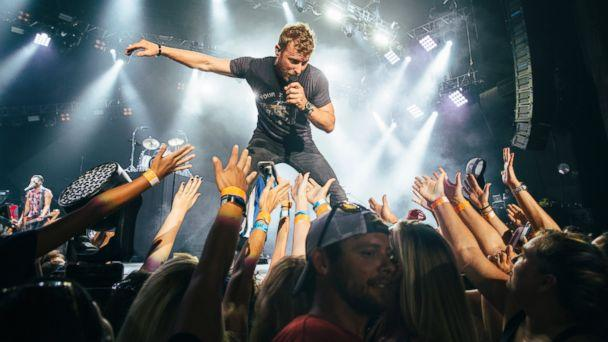 PHOTO: Dierks Bentley (Dierks Bentley)