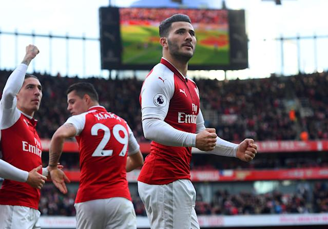 "Sead Kolasinac celebrates his goal for <a class=""link rapid-noclick-resp"" href=""/soccer/teams/arsenal/"" data-ylk=""slk:Arsenal"">Arsenal</a> against <a class=""link rapid-noclick-resp"" href=""/soccer/teams/swansea-city/"" data-ylk=""slk:Swansea City"">Swansea City</a> on Saturday. (Getty Images)"