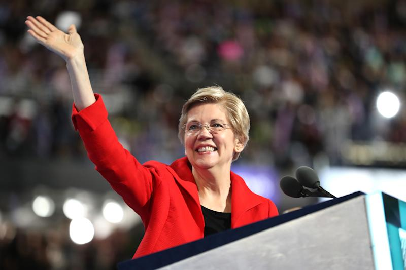 Elizabeth Warren shows off radiant skin at the Democratic National Convention in 2019. (Credit: Getty Images)