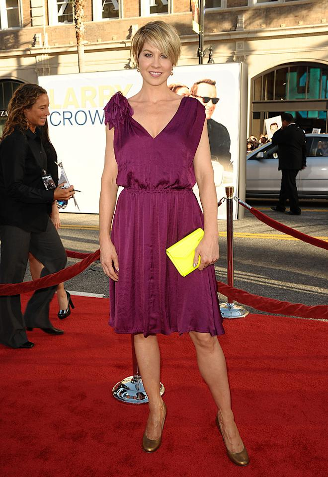 "<a href=""http://movies.yahoo.com/movie/contributor/1800018910"">Jenna Elfman</a> at the Los Angeles premiere of <a href=""http://movies.yahoo.com/movie/1810196533/info"">Larry Crowne</a> on June 27, 2011."