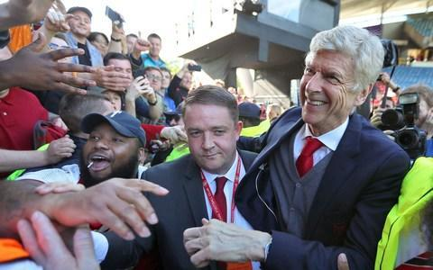 <span>Could Arsene Wenger be set for a job in Europe?</span>