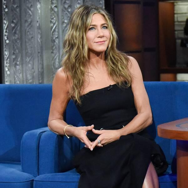 Jennifer Aniston Warns of COVID Dangers With Photo and Story About Friend