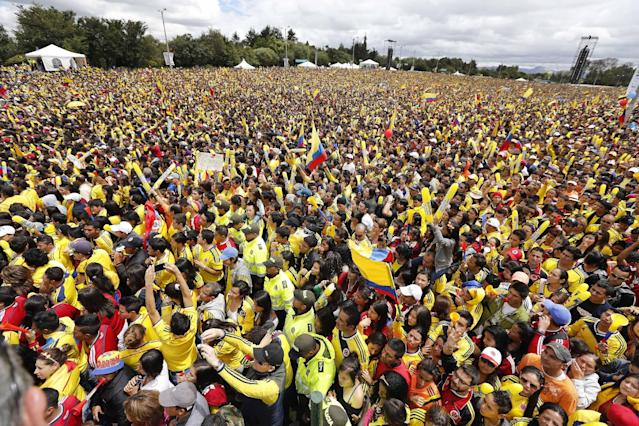 Colombia national team returns home to open arms
