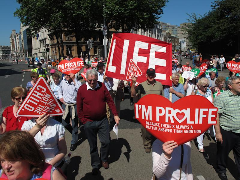 Irish lawmakers back 'life saving' abortion bill