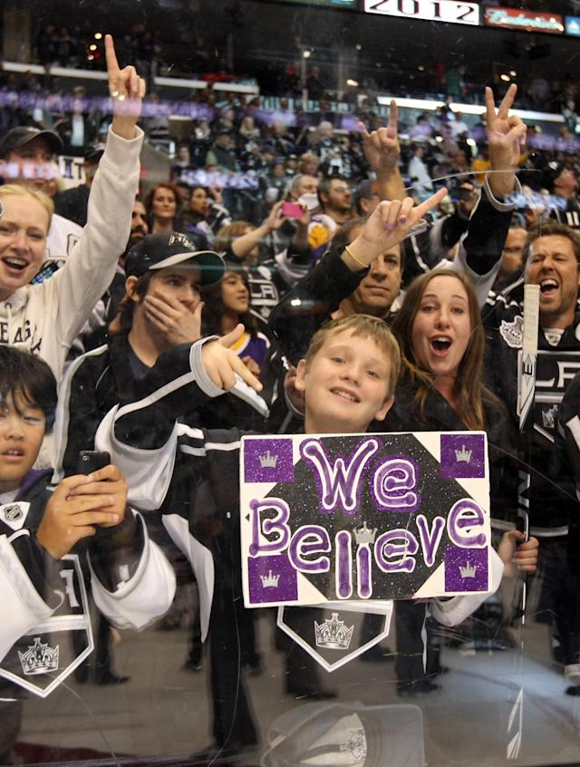 LOS ANGELES, CA - JUNE 11: Los Angeles Kings fans celebrate during Game Six of the 2012 Stanley Cup Final at Staples Center on June 11, 2012 in Los Angeles, California. (Photo by Christian Petersen/Getty Images)