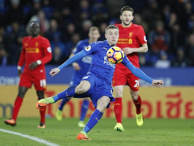 Leicester City's striker Jamie Vardy takes a shot against Liverpool at King Power Stadium on February 27, 2017 (AFP Photo/ADRIAN DENNIS)