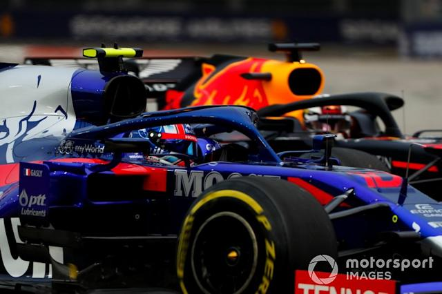"Pierre Gasly, Toro Rosso STR14, Max Verstappen, Red Bull Racing RB15 <span class=""copyright"">Sam Bloxham / Motorsport Images</span>"