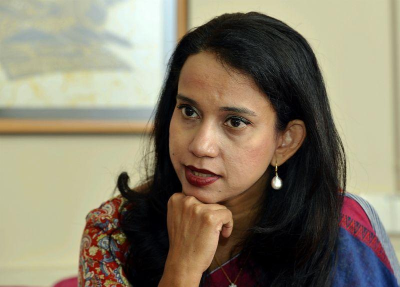 Sivananthi Thanenthiran, executive director of Asian-Pacific Resource and Research Centre for Women (ARROW), contrasted the backlash to Rafizi's previous call to 'not be afraid to criticise leaders'. — Picture by Ham Abu Bakar