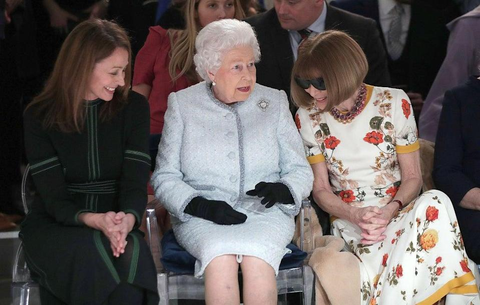 The Queen and Anna Wintour at Richard Quinn (POOL/AFP via Getty Images)