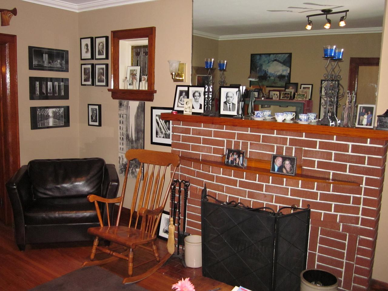 Reminders of 9 11 fill ron difrancesco s house for Living room channel 9