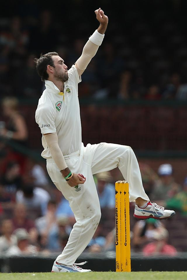 SYDNEY, AUSTRALIA - NOVEMBER 04:  Glenn Maxwell of Australia A bowls during day three of the International Tour Match between Australia A and South Africa at Sydney Cricket Ground on November 4, 2012 in Sydney, Australia.  (Photo by Chris Hyde/Getty Images)