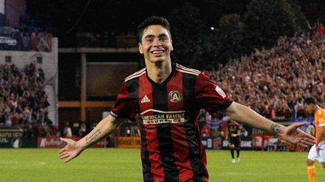 On this week's episode of Planet Futbol, Luis Miguel Echegaray talks to Miguel Almiron from Atlanta United FC about the experience of playing an MLS game in Merecedez Benz Stadium