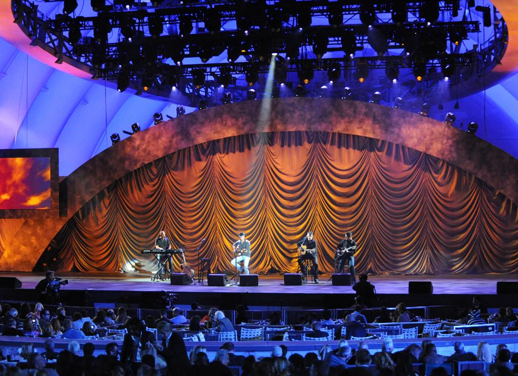 "Kenny Chesney performs at the ""A Decade of Difference"" concert on October 15, 2011, at the Hollywood Bowl, Los Angeles. <br><br>(Photo by Stephanie Cabral/Yahoo!)"