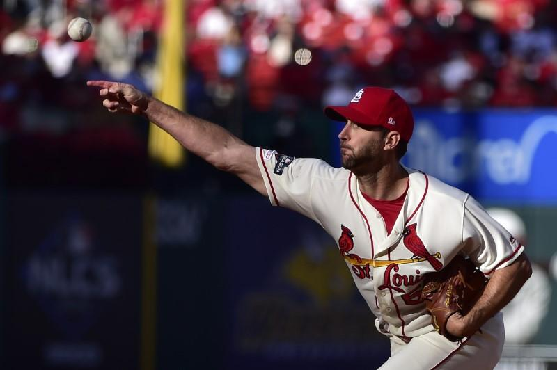 Wainwright, Cardinals agree to one-year deal