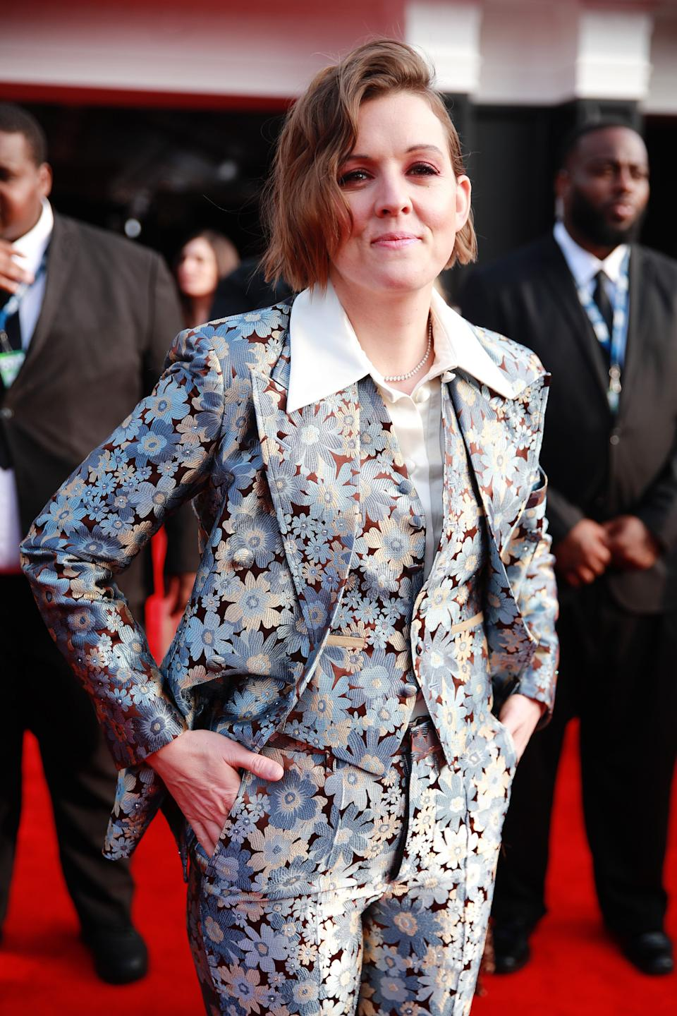 There should be at last one floral three-piece suit at every awards show.