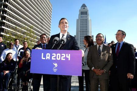 Los Angeles Mayor Eric Garcetti speaks at a press conference following Los Angeles City Council's vote on whether to give final approval for the city's bid to host the 2024 Olympic and Paralympic Games in Los Angeles, California, U.S., January 25, 2017. REUTERS/Lucy Nicholson