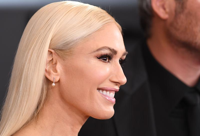 Gwen Stefani used a $6 product for perfect hair at the Grammys. (Credit: Getty)