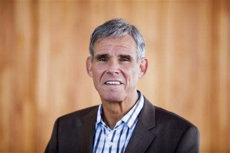 "Eric Topol, Scripps Health chief academic officer and director of the Scripps Translational Science Institute, poses for a portrait during a symposium on ""The Future of Genomic Medicine"" at Scripps Seaside Forum in La Jolla, California March 6, 2014. REUTERS/Sam Hodgson"