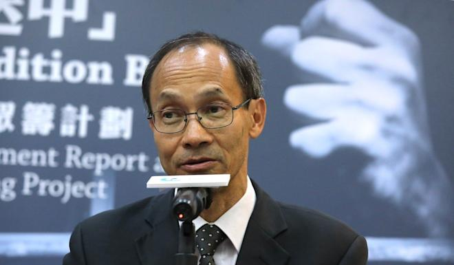 Robert Chung, president of the Hong Kong Public Opinion Research Institute, warned of a loss of the public's loss of confidence in the police. Photo: Dickson Lee
