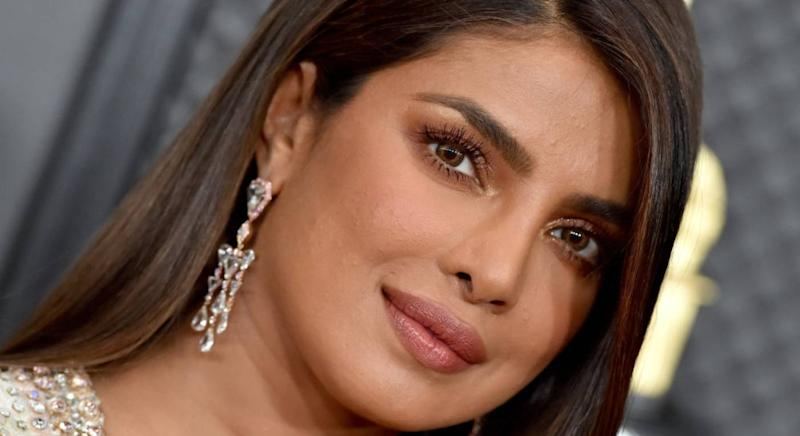 Priyanka Chopra wears Pat McGrath mascara to the Grammys [Photo: Getty]