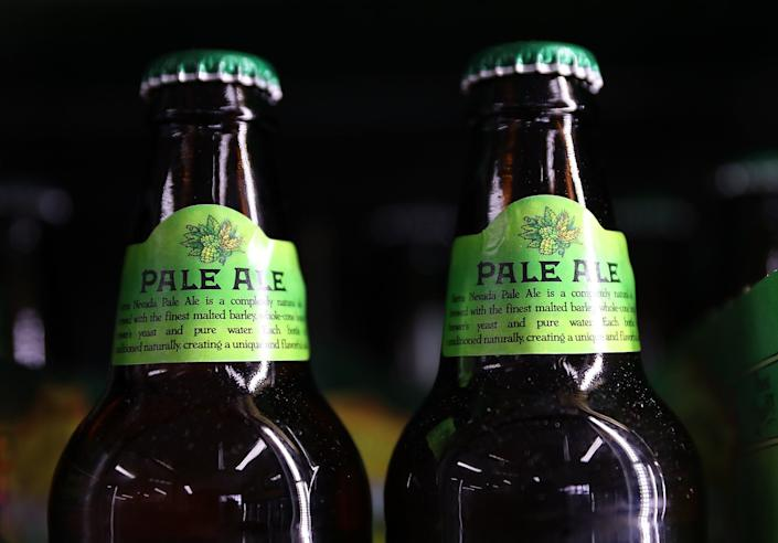"""<strong>Flavor:</strong>In the U.K., this brew has a strong malty and woody flavor. In the U.S., the hops are ramped up during brewing, making it a hoppybeer (but not as hoppy as an IPA).<br /><br /><strong>Color:</strong> Pale gold to amber.<br /><br /><strong>Strength:</strong> 4-7 percent ABV<br /><br /><strong>Fun Fact:</strong>They've <a href=""""https://www.anchorbrewing.com/blog/the-tale-of-pale-ale/"""" target=""""_blank"""">been brewed since 1642</a>,whencoke was firstused as a form of fuel to roast malt. Coke (not to be confused with the brand of soda) is a fuel with few impurities, made from coal."""